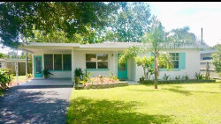 Photo of 5810 17th Avenue S, GULFPORT, FL 33707 (MLS # U7849866)