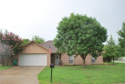 Photo of 1018 Oxford Drive, Gainesville, TX 76240 (MLS # 13645798)