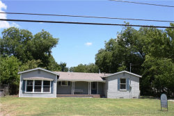 Photo of 1008 S Clements Street, Gainesville, TX 76240 (MLS # 13649572)