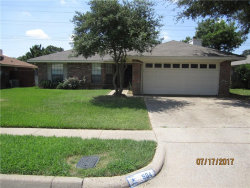 Photo of 504 Parsley Lane, Euless, TX 76039 (MLS # 13650770)