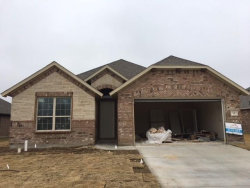 Photo of 9 Pleasant Valley, Sanger, TX 76266 (MLS # 13652244)