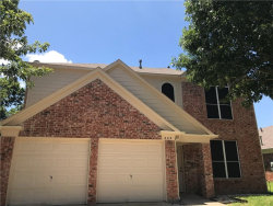 Photo of 309 Attaway Drive, Euless, TX 76039 (MLS # 13654886)