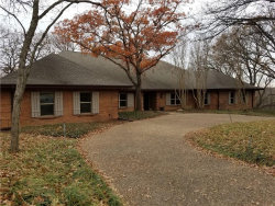 Photo of 6518 Country Oaks Drive, Flower Mound, TX 75022 (MLS # 13670365)