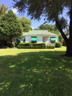 Photo of 3716 Hilltop Road, Fort Worth, TX 76109 (MLS # 13677360)