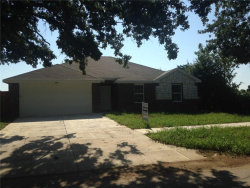 Photo of 6311 Crawford Lane E, Forest Hill, TX 76119 (MLS # 13678510)