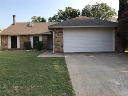 Photo of 3825 Seven Gables Street, Fort Worth, TX 76133 (MLS # 13691641)