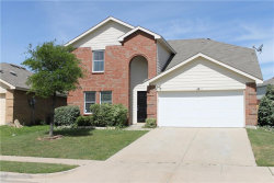 Photo of 6917 Meadow Way Lane, Fort Worth, TX 76179 (MLS # 13704741)