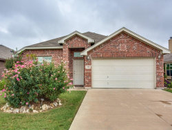 Photo of 225 Spring Hollow Drive, Saginaw, TX 76131 (MLS # 13708080)