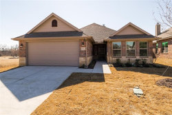 Photo of 1812 Silver Oak Drive, Gainesville, TX 76240 (MLS # 13725380)