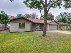 Photo of 2805 Southgate Drive, Fort Worth, TX 76133 (MLS # 13727469)