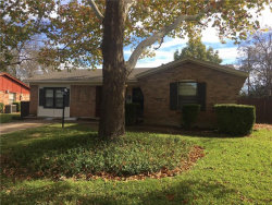 Photo of 5813 Westhaven Drive, Fort Worth, TX 76132 (MLS # 13733170)