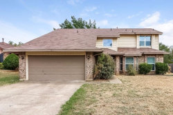Photo of 707 Dunaway Drive, Euless, TX 76040 (MLS # 13738788)