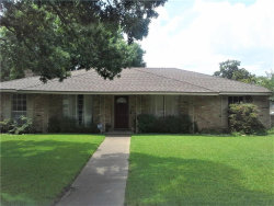 Photo of 818 Madrid Drive, Duncanville, TX 75116 (MLS # 13739563)