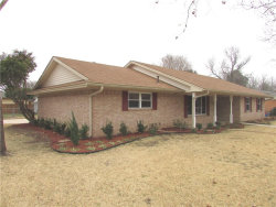 Photo of 418 Rosedale Drive, Gainesville, TX 76240 (MLS # 13753141)