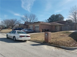 Photo of 2309 Woodmont Trail, Fort Worth, TX 76133 (MLS # 13754294)