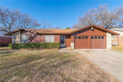 Photo of 2700 S Fielder Road, Arlington, TX 76015 (MLS # 13760529)