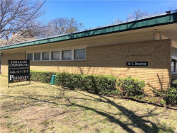 Photo of 413 E Broadway Street, Gainesville, TX 76240 (MLS # 13800388)
