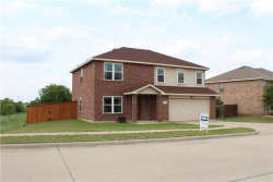 Photo of 911 Blue Sky Drive, Arlington, TX 76002 (MLS # 13824405)