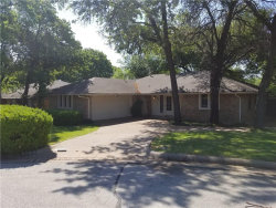 Photo of 5720 Valley Ridge Court, Arlington, TX 76017 (MLS # 13825569)