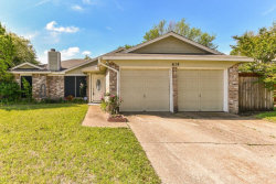 Photo of 614 Red Coat Lane, Arlington, TX 76002 (MLS # 13825918)