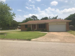 Photo of 908 W Sycamore Street, Sherman, TX 75092 (MLS # 13841473)