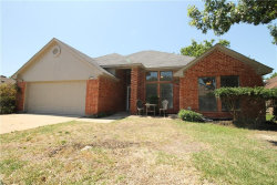Photo of 821 W Lynn Creek Drive, Arlington, TX 76001 (MLS # 13846452)