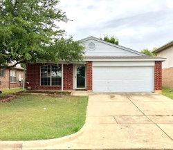 Photo of 621 Hollyberry Drive, Mansfield, TX 76063 (MLS # 13914005)