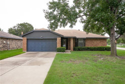 Photo of 5400 Park Place, Flower Mound, TX 75028 (MLS # 13932177)