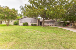 Photo of 5509 Winifred Drive, Fort Worth, TX 76133 (MLS # 13936427)