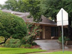 Photo of 1425 Cross Bend Road, Plano, TX 75023 (MLS # 13940176)
