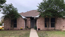 Photo of 310 Edgewood Street, Krum, TX 76249 (MLS # 13967577)