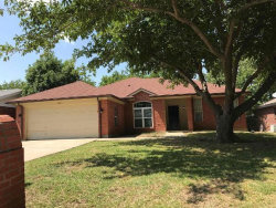 Photo of 1701 Oxford Drive, Mansfield, TX 76063 (MLS # 13997387)