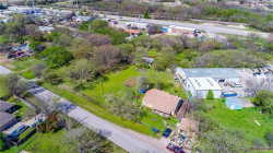 Photo of 829 N Oak Street, Roanoke, TX 76262 (MLS # 13997394)