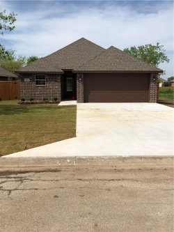 Photo of 500 Gould Street, Pilot Point, TX 76258 (MLS # 14024666)