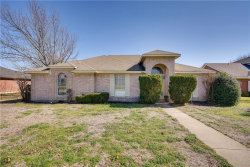 Photo of 916 Winterbury, DeSoto, TX 75115 (MLS # 14027348)