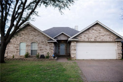 Photo of 7924 Clear Brook Circle, Fort Worth, TX 76123 (MLS # 14048747)