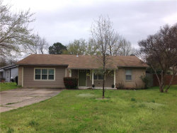 Photo of 603 Midway Drive W, Euless, TX 76039 (MLS # 14049502)
