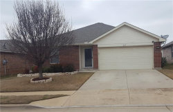 Photo of 1609 Kings Glen Ln, Fort Worth, TX 76140 (MLS # 14049814)