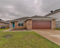 Photo of 9805 Sparrow Hawk Lane, Fort Worth, TX 76108 (MLS # 14051071)