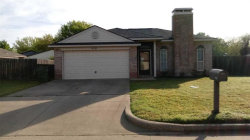 Photo of 910 Canary Lane, Mansfield, TX 76063 (MLS # 14065920)