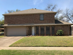 Photo of 109 Main Place, Euless, TX 76040 (MLS # 14067232)