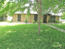 Photo of 2 Christi Lane, Krum, TX 76249 (MLS # 14083229)