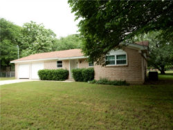Photo of 724 E Roewe Street, Pilot Point, TX 76258 (MLS # 14085089)