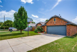 Photo of 105 Chisolm Trail Court, Springtown, TX 76082 (MLS # 14132080)