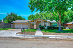 Photo of 2003 Oneal Street, Gainesville, TX 76240 (MLS # 14137726)