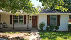 Photo of 805 Henslee Drive, Euless, TX 76040 (MLS # 14141648)
