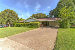 Photo of 6212 Ravenswood Drive, Fort Worth, TX 76112 (MLS # 14145323)