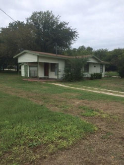 Photo of 208 Orchard, Bowie, TX 76230 (MLS # 14148450)