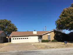 Photo of 1110 W Edwards, Olney, TX 76374 (MLS # 14229564)