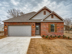 Photo of 306 N 4th Street, Gunter, TX 75058 (MLS # 14232773)